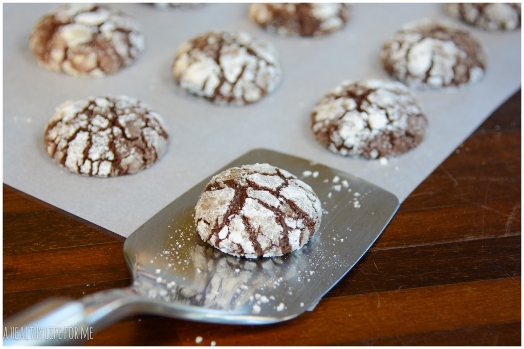 Chocolate Peppermint Crinkle Cookies for Great Cookie Swap